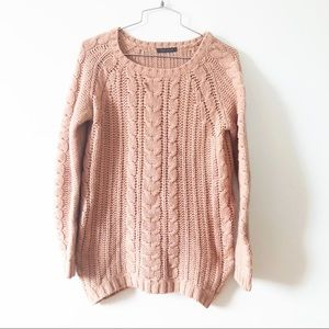 3/20$ Suzie Shier pink  cable knit crew neck sweat